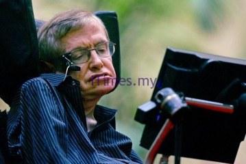 Stephen Hawking Joins Facebook